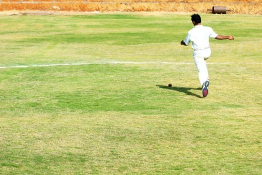 Stock Photo: 1491R-1185293 Fielder running on the field