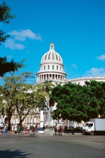Daytime view of Capitol Building, Havana, Cuba : Stock Photo