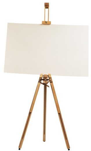 Stock Photo: 1491R-35021 an easel with a white sheet