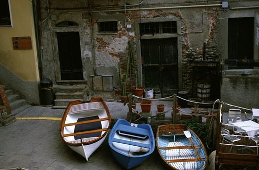 Stock Photo: 1495-357 Boats in front of a building, Riomaggiore, Cinque Terre, Liguria, Italy