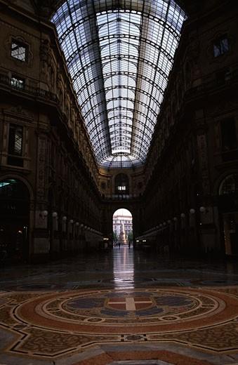 Stock Photo: 1495-360 Hallway of a shopping mall, Galleria Vittorio Emanuele II, Milan, Italy