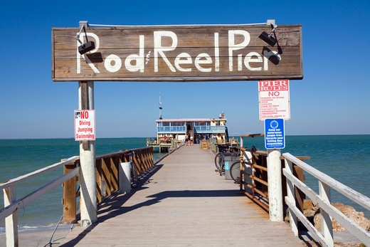 Pier and a restaurant at seaside, Rod and Reel Fishing Pier, Holmes Beach, Anna Maria Island, Florida, USA : Stock Photo