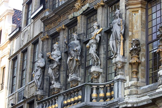 Low angle view of statues on a building, Grand Place, Brussels, Belgium : Stock Photo