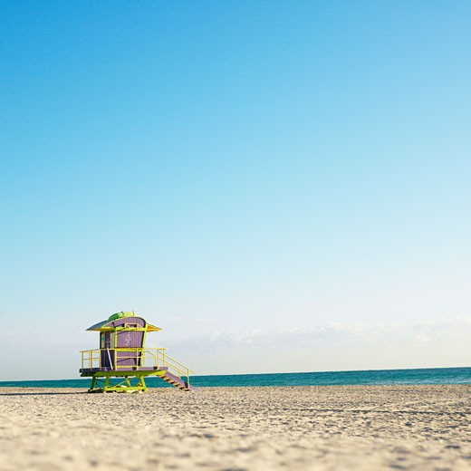 Art deco lifeguard tower on deserted beach in Miami, Florida, USA. : Stock Photo