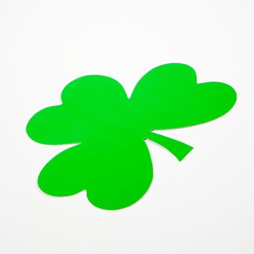 Stock Photo: 1525R-105237 Single green paper shamrock on white.