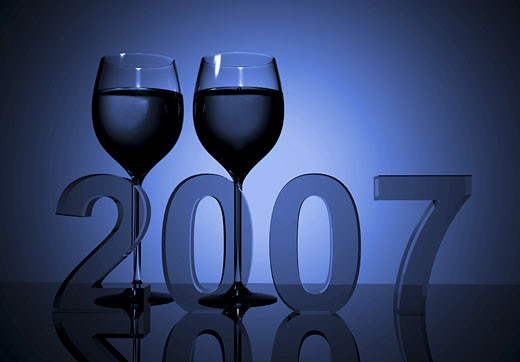 Stock Photo: 1525R-113658 new year 2007 - wine glasses made in 3d
