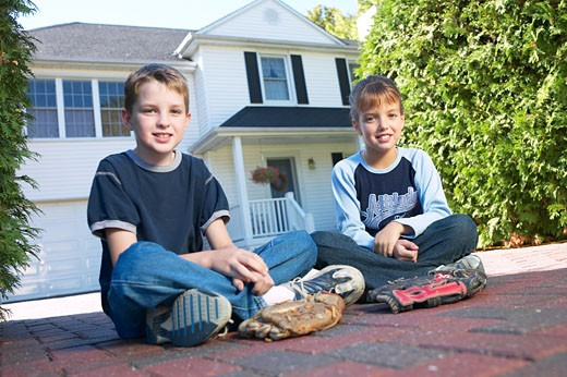Stock Photo: 1525R-13714 Children sitting in driveway BE 2
