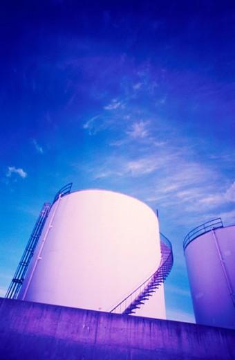 Stock Photo: 1525R-16253 Oil Tanks
