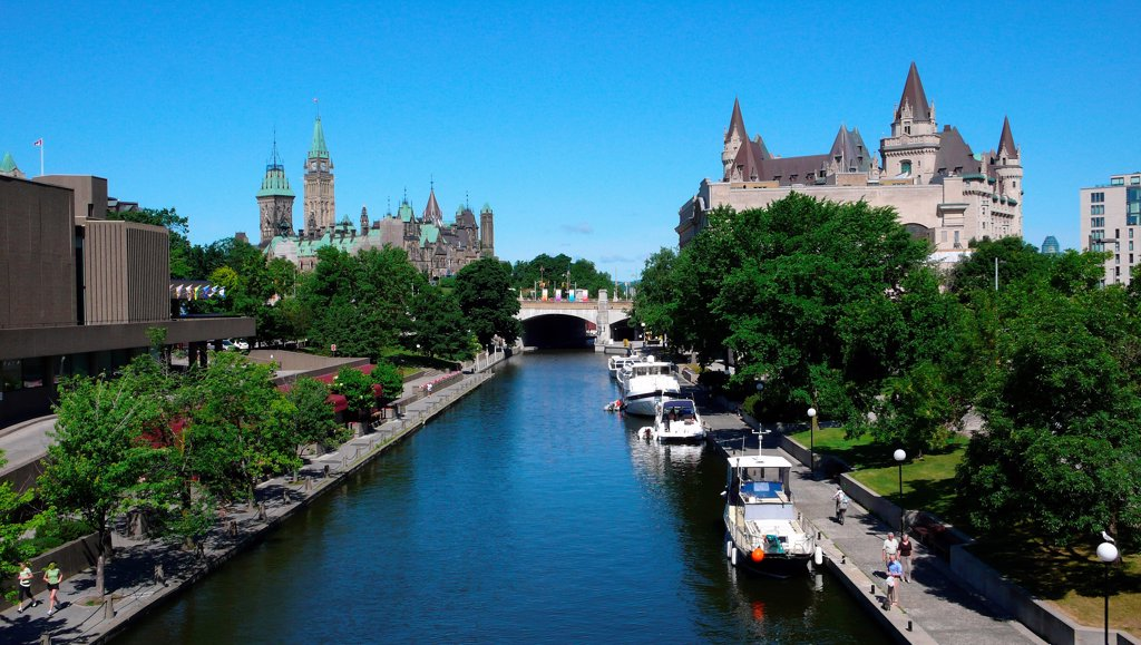 Canadian Cities, Ottawa's historic Rideau Canal, Ontario Canada. : Stock Photo