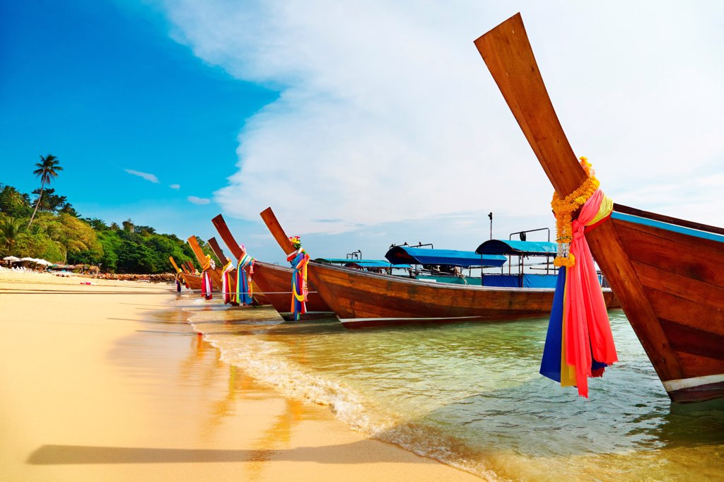 Stock Photo: 1525R-202573 Tropical beach, Phi-Phi Islands, Andaman Sea, Thailand