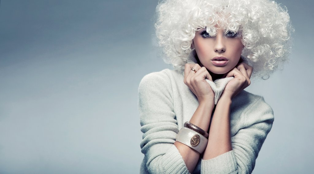 Attractive blond beauty : Stock Photo