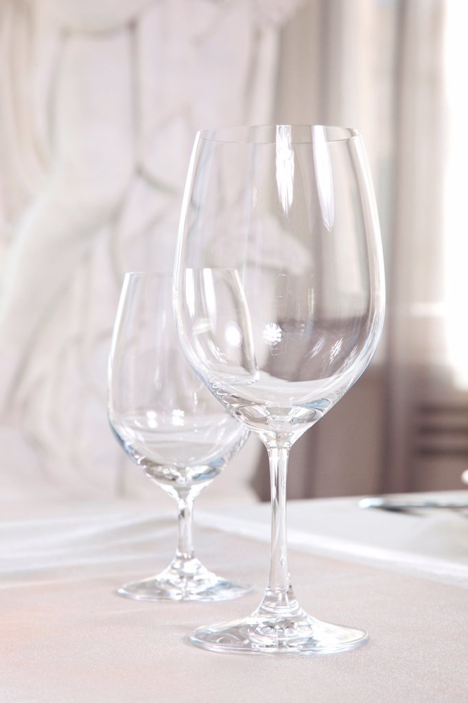 Stock Photo: 1525R-204536 Wine glasses on the table
