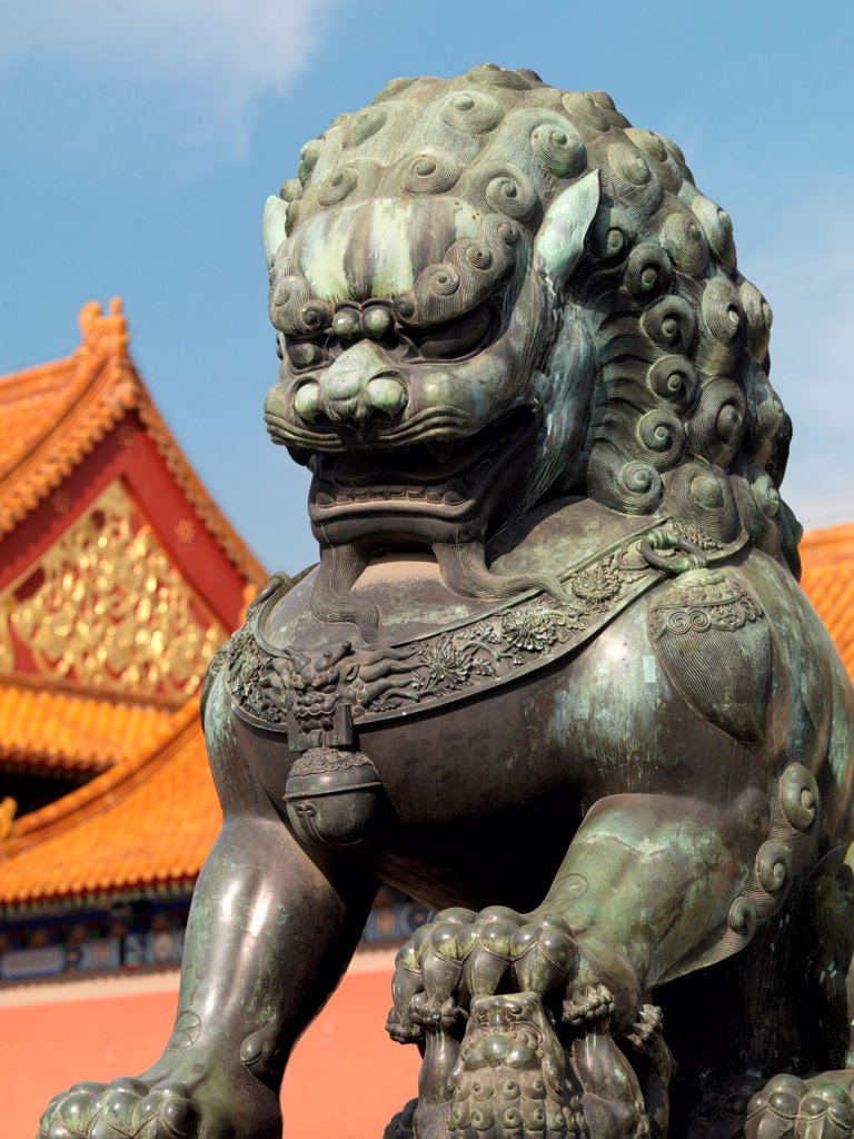 Stock Photo: 1525R-206221 Chinese guardian lions in a palace, Forbidden City, Beijing, China