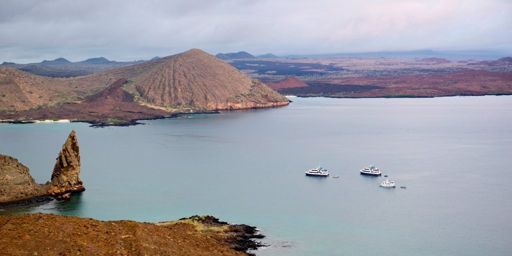 Stock Photo: 1525R-206841 Boats in the Pacific Ocean, Bartolome Island, Galapagos Islands, Ecuador