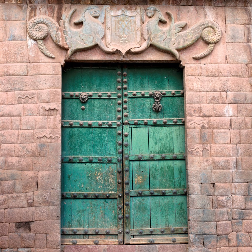 Stock Photo: 1525R-207632 Closed door of a building, Barrio De San Blas, Plaza De Las Nazarenas, Cuzco, Peru