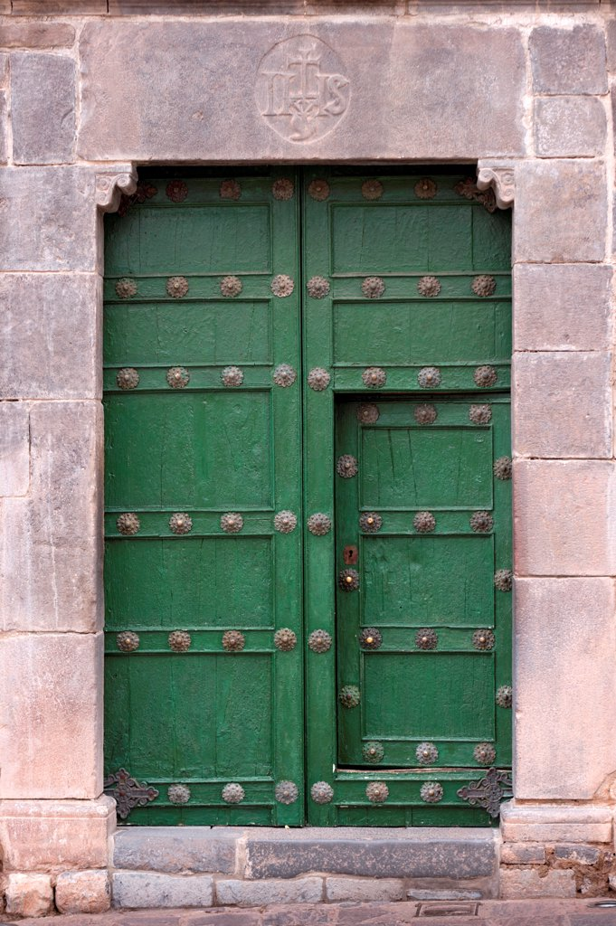 Stock Photo: 1525R-207733 Details of a door in Plaza De Las Nazarenas, Cuzco, Peru