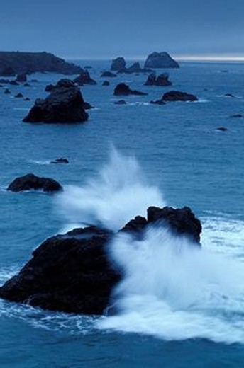 Waves Crashing on Rocks : Stock Photo