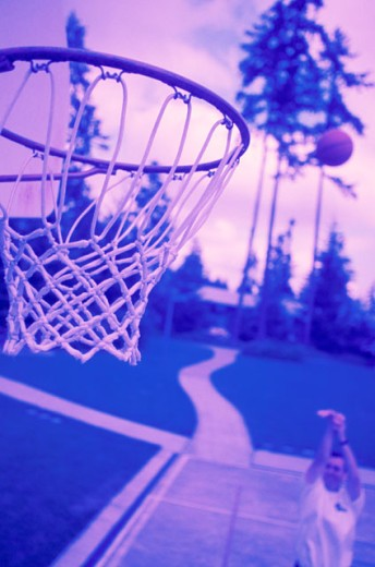 Stock Photo: 1525R-36251 Shooting Hoops