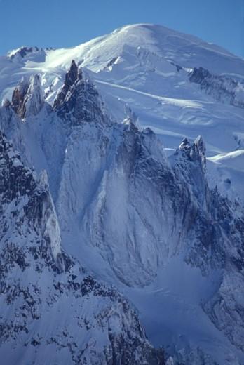 Stock Photo: 1525R-41445 mountain peaks