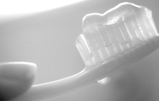 Stock Photo: 1525R-44271 Toothpaste On A Toothbrush