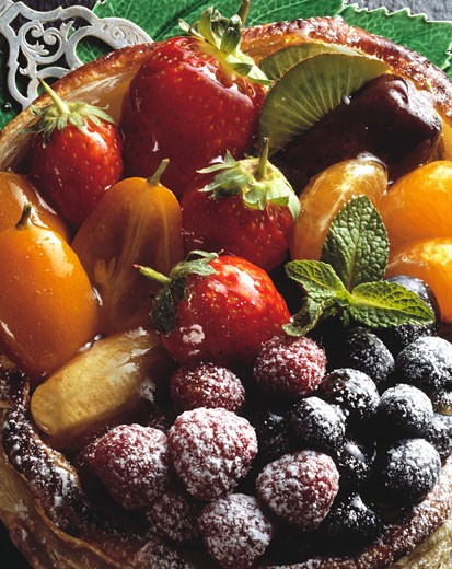 High angle view of assorted fruits in a tart bowl : Stock Photo