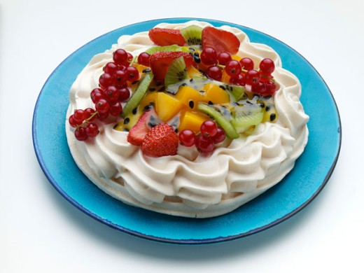 Close-up of a dessert topped with fruit : Stock Photo