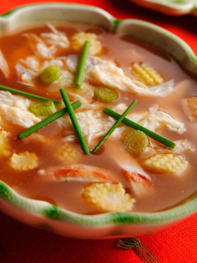 Close-up of a bowl of chicken and sweetcorn soup : Stock Photo
