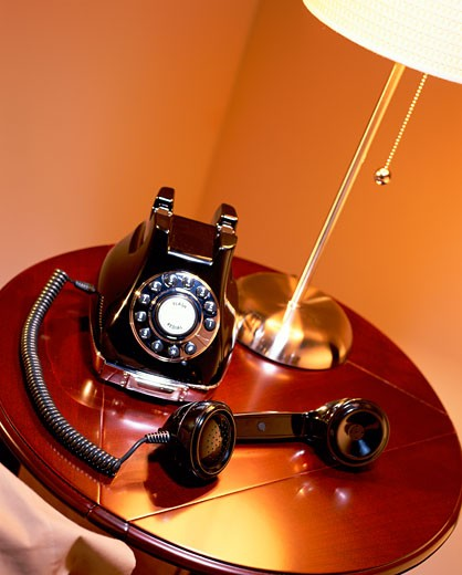Stock Photo: 1525R-81514 Telephone receiver off the hook