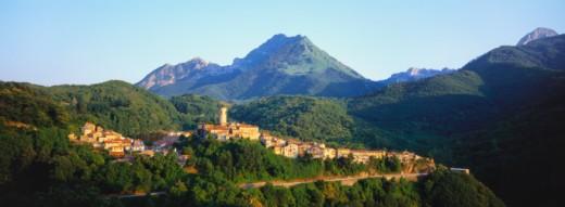 Stock Photo: 1527R-014354 Minucciano, Tuscany, Italy