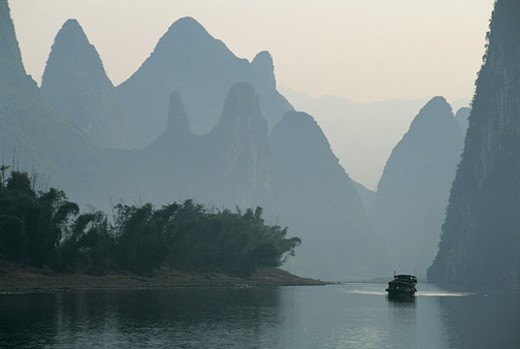 Boat on the Li River between Guilin and Yangshuo, Guangxi Province, China : Stock Photo