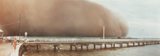 Stock Photo: 1527R-1080337 Storm cloud near pier