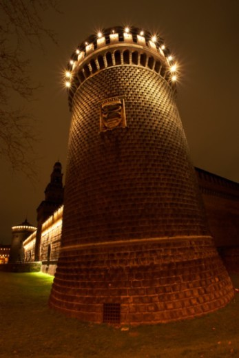 Stock Photo: 1527R-1101722 Italy, Milan, Castello Sforzesco tower, illuminated at night