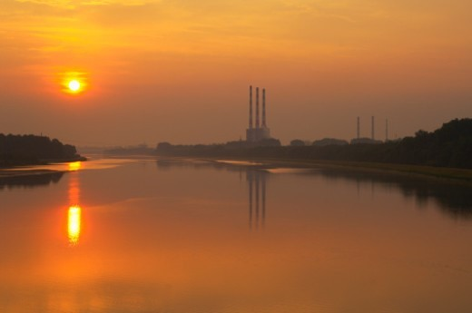 Germany, Vohburg, River Donau, power station at sunrise : Stock Photo