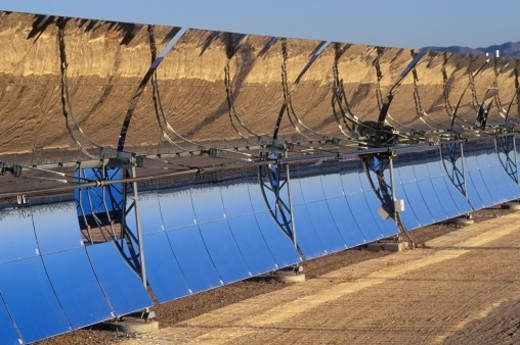 Stock Photo: 1527R-1107106 'Solar Two panels at South California Edison Plant in Barstow, CA'
