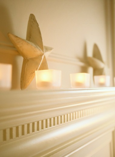 Stock Photo: 1527R-1143051 Stars on a Mantelpiece