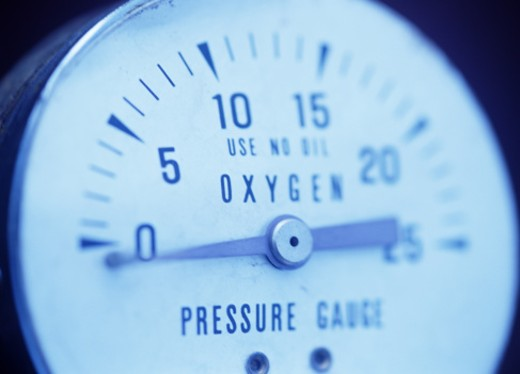Oxygen pressure gauge, close-up : Stock Photo