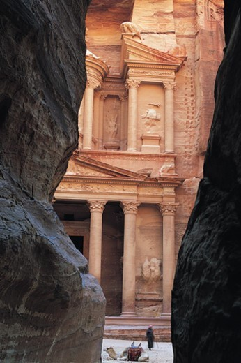 Stock Photo: 1527R-1187654 Khazneh, Petra, Jordan