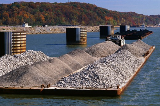 Stock Photo: 1527R-1206189 Barge on Tennessee River