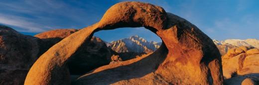 Stock Photo: 1527R-247065 Granite Arch, Alabama Hills, California, USA
