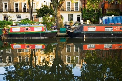 Stock Photo: 1530R-37331 Boats on river, London, United Kingdom