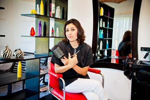 Stock Photo: 1530R-42008 Beautician holding her tools in beauty salon,  Sayulita, Mexico
