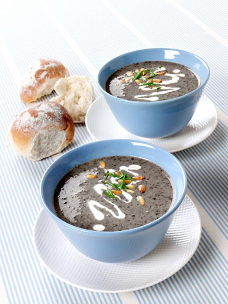 Stock Photo: 1532R-10159 Cep Cream Soup