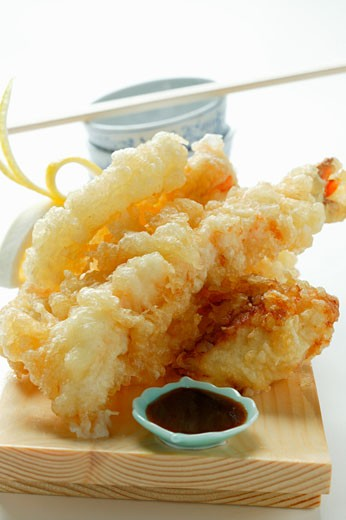 Stock Photo: 1532R-11267 Shrimp and vegetable tempura; soy sauce