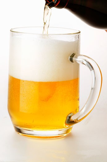 Stock Photo: 1532R-15864 Pouring lager