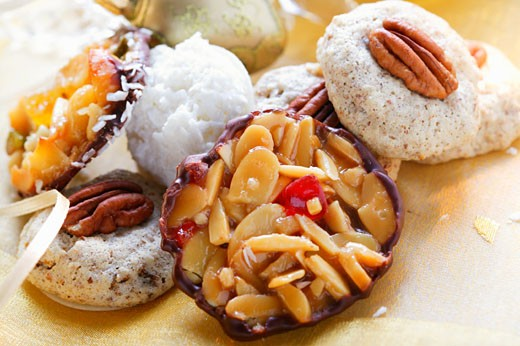 Stock Photo: 1532R-15939 Pecan macaroons, Florentine and coconut macaroon