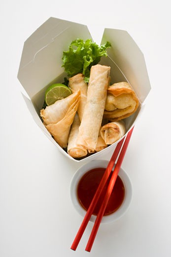 Stock Photo: 1532R-16957 Deep-fried wontons and spring rolls to take away