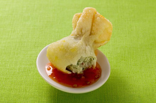 Stock Photo: 1532R-17805 Wonton with sweet and sour sauce