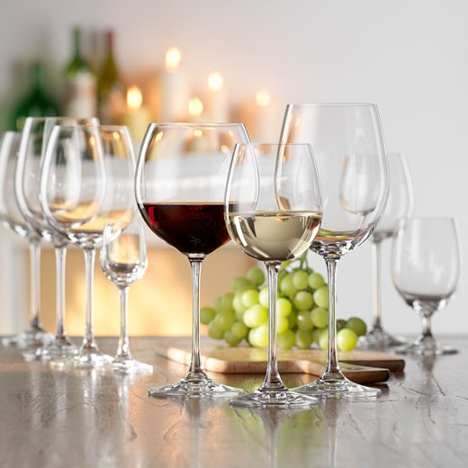 Still life with red and white wine in glasses : Stock Photo