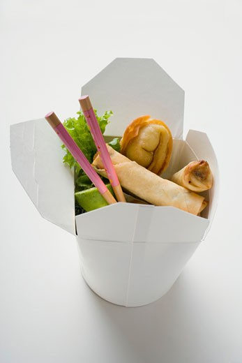 Stock Photo: 1532R-20701 Deep-fried wontons and spring rolls to take away