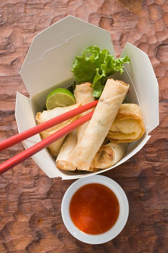 Stock Photo: 1532R-20706 Deep-fried wontons and spring rolls to take away